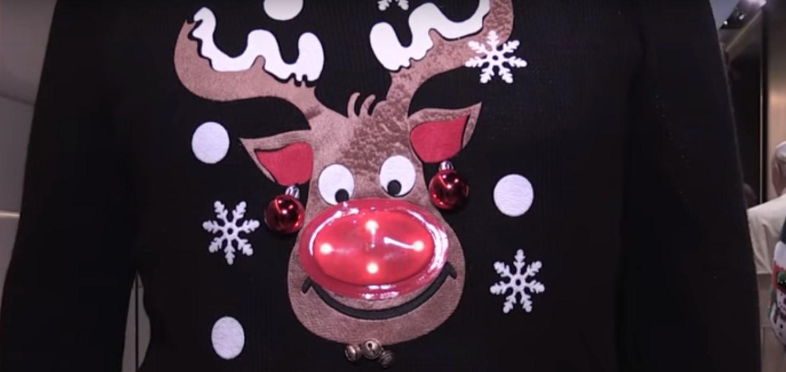 Pull moche de Noël