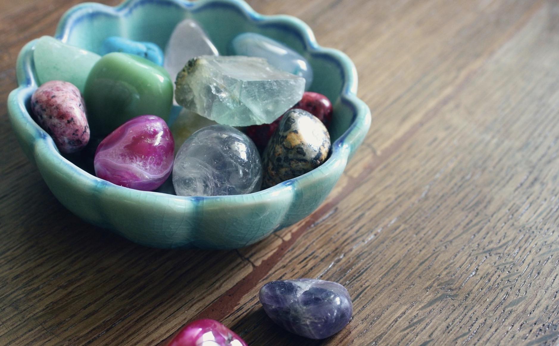 Des pierres précieuses