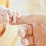 Un bébé né sans peau, une naissance hors du commun