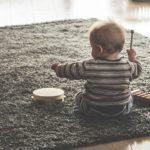 Le pouvoir des instruments de musique pour calmer les pleurs de votre bébé